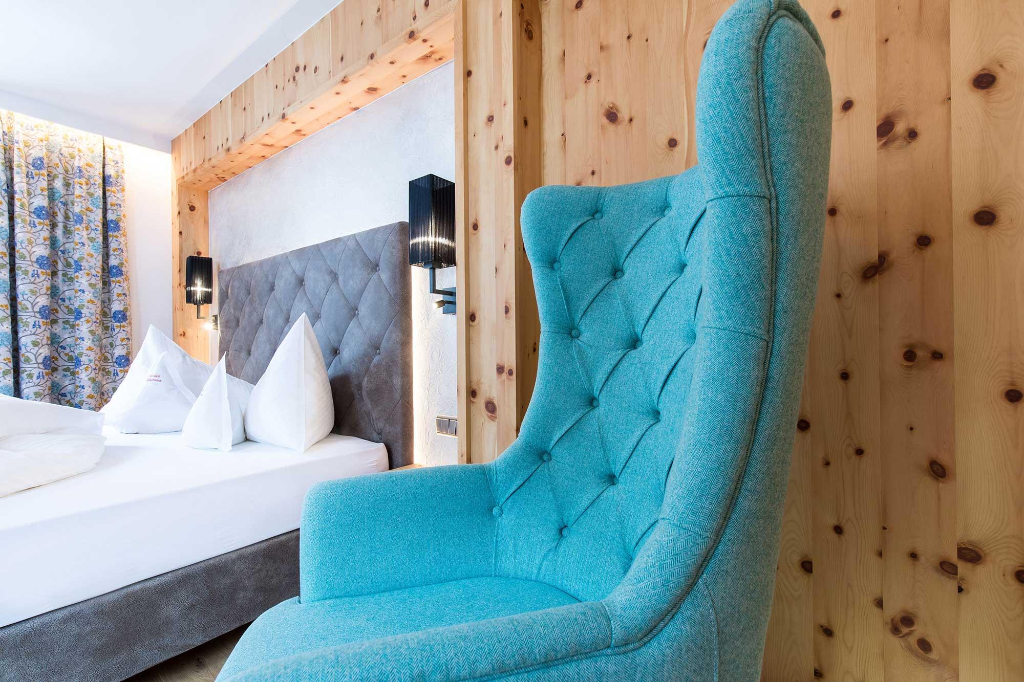 Hotel Eden in Sulden Ambiente - Zimmer mit Sessel